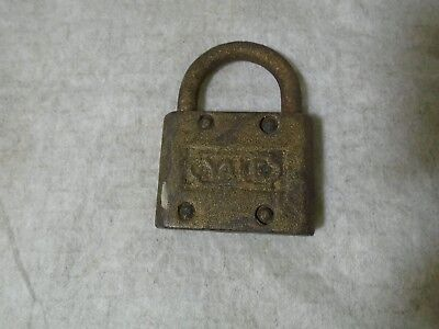 Vintage Yale Pad Lock, No Key, By Yale & Towne Mfg.co,  Made In U.s.a.
