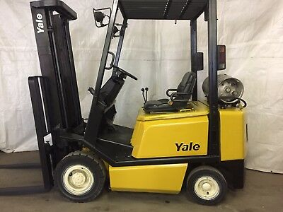 2004 Yale 4000 forklift Solid Pneumatic tires  2 Stage LP GLP040