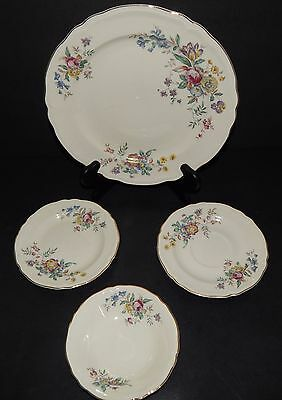 Edwin Knowles Winslow 4 piece White Multi-Color Flower Pattern Dinner Plate Comb