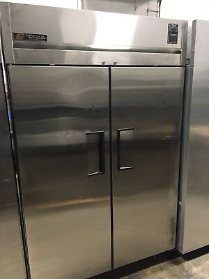 True 2 Door Upright Stainless Steel Reach-In Commercial Refrigerator WORKS GREAT