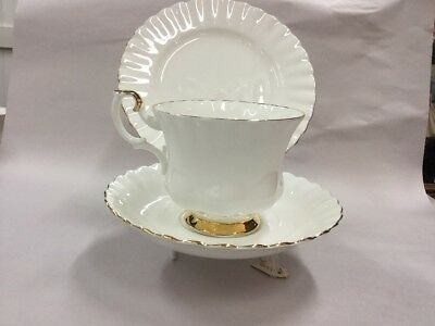 Royal Albert Val D`or China England Trio Teacup Saucer Vintage Tea Cup