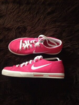 Ladies / Girls Pink Nike Shoes Size 4 Worn Only Once