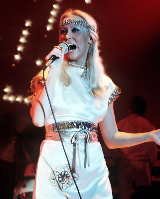 Agnetha Faltskog UNSIGNED photo - K8967 - Member of the pop group ABBA