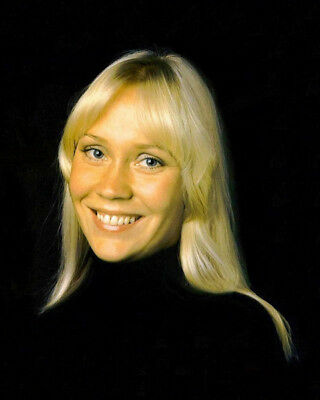 Agnetha Faltskog UNSIGNED photo - K8974 - SEXY!!!!!