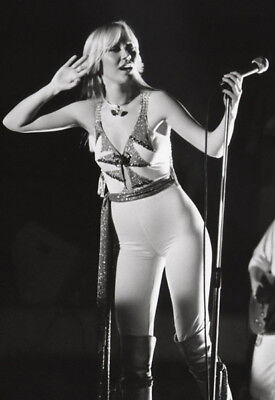 Agnetha Faltskog UNSIGNED photo - K8986 - Member of the pop group ABBA