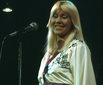 Agnetha Faltskog UNSIGNED photo - K9009 - Member of the pop group ABBA