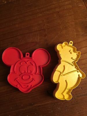 Vintage Hallmark Disney Red Plastic MICKEY MOUSE Winnie Pooh Face Cookie Cutter