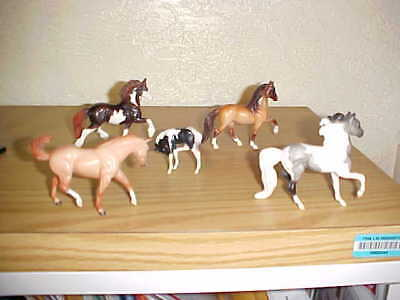 Vintage Breyer Reeves Herd Of 5 Horses Paint Dun Buckskin Colt Older Collection
