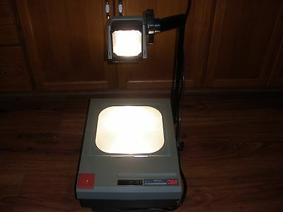 3M 910 overhead transparency projector Model 900