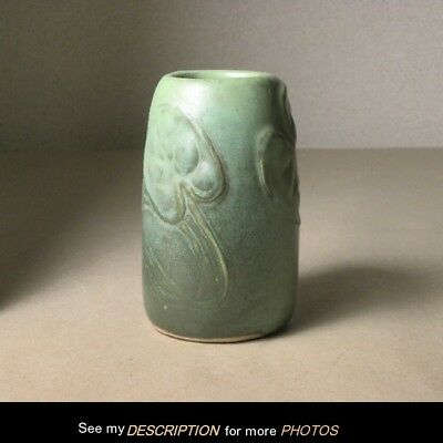 1900-1910 Cambridge Pottery Matte Green Lily Pad Vase arts & crafts mission