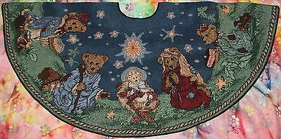 """Boyds Bears & Friends HOLIDAY PAGEANT Tapestry Nativity TREE SKIRT 44"""" And"""