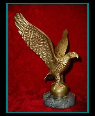 Old HUGE Vintage MAJESTIC BRASS Roman / American EAGLE SCULPTURE w/ Marble Base