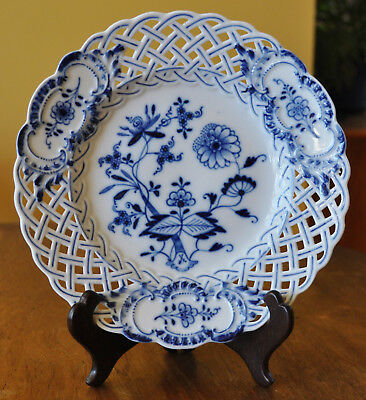 Lovely Antique Reticulated Pierced Meissen Plate Blue Onion Crossed Swords Mark