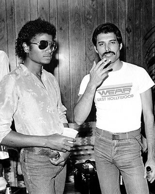 Freddie Mercury and Michael Jackson UNSIGNED photo - K9476 - In 1980