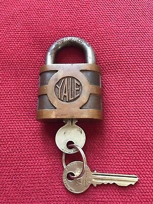 Large Vintage Antique Brass Yale and Towne Lock 13 oz + 2 keys