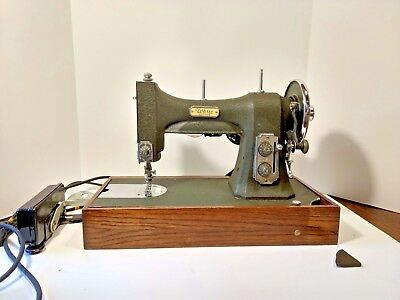 Vintage Portable White Rotary Sewing Machine Works Case/manual 77Mg-76854