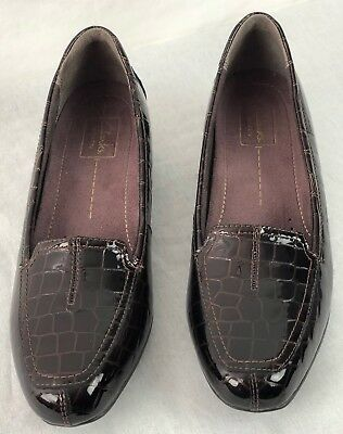 fedd1dd1e723 Clarks Women s Active Air Leather Loafers Wine Brown Color Sz 9N Animal  Pattern