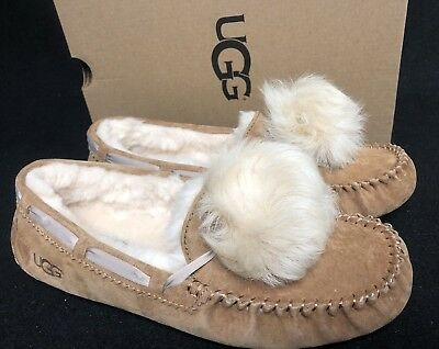 7f2b780724 UGG Australia Dakota Pom Pom Chestnut Moccasin Slipper womens size 1019015  Shoes