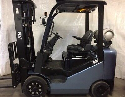 2018 Royal RY forklift 5000 lb capacity 3 stage mast SIDESHIFTER 2 year warranty