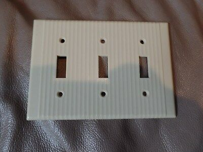 1 Bryant Uniline Ribbed Ivory Bakelite Triple Switch Plate Cover Art Deco