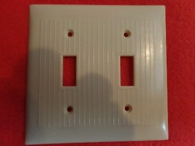 1Rare Vintage Bakelite Ivory Ribbed Deco Snapit Double Light Switch Plate Cover