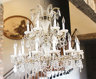 Antique Grand Opera Crystal Chandelier Made in Italy Vintage Beautiful Light