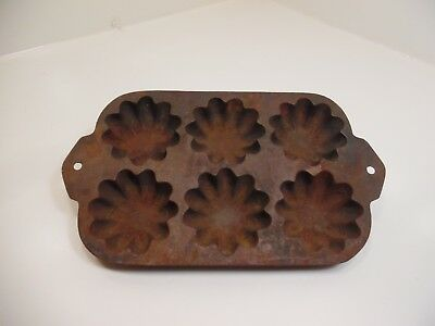 Antique Cast Iron 6 Muffin Pan Flowers biscuits Made in USA Vintage Baking