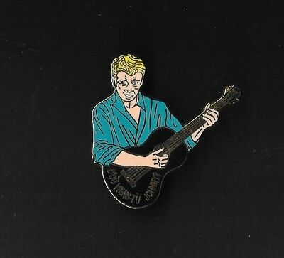 "Pin's ""johnny Halliday"" - D'ou Viens Tu Johnny- Bleu - 200 Ex"