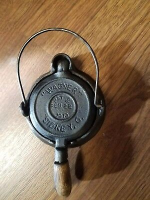 Antique Wagner Sidney Cast Iron waffle iron Pat 1910 child's toy salesman sample