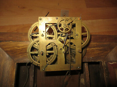 Jerome and Co American Clock,vintage clock for spares, has workings, a pendulum