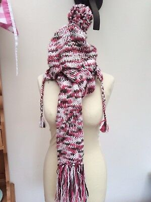 oneill hat and scarf set pink/ cream
