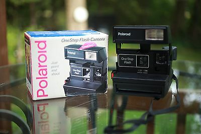 Polaroid One Step Closeup  Instant Flash Camera With Box - Tested & Works
