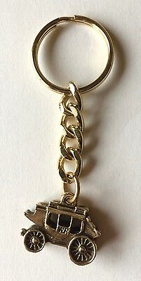 NEW Never used Vintage 1980s GOLD Wells Fargo 3D Stagecoach Key Chain Links