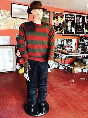 Freddy Kruger Life Size Animated