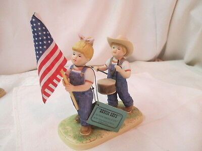 Vintage 1997 Homco Denim Days Figurine Fourth of July #1530 2 Kids Marching