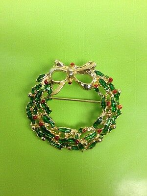 Vintage Enamel Red/Green Glitter Christmas Holiday Wreath with Bow Pin/Brooch
