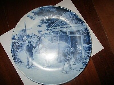 """Beautiful !!! HORSE FARRIER PLATE  Made in Holland  DELFT-BLAUW  Size = 11"""""""