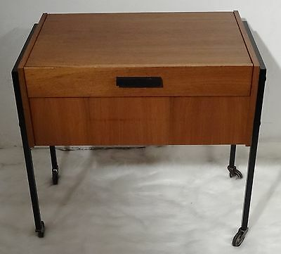 mid century danish design 60's Nussholz Nähtisch Nähschrank - sewing table 60er