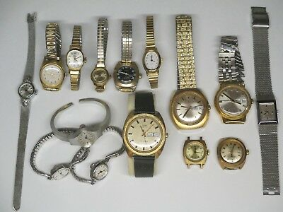 MiXED LOT of ViNTAGE TiMEX WATCHES - WiND UP - ELECTRiC - MENS & LADiES