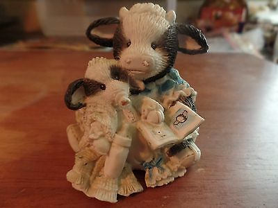 "1993 Enesco Mary Moo Moos ""Pasture Bedtime"" Figurine #2044"