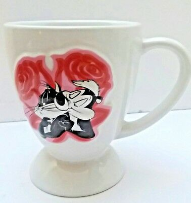 Pepe Le Pew & Cat Heart Roses Mug Cup Warner Brothers Looney Tunes Valentinesday
