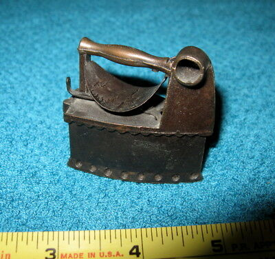 Iron Old-fashioned Charcoal Vintage Pencil Sharpener Die-Cast Metal Collectible