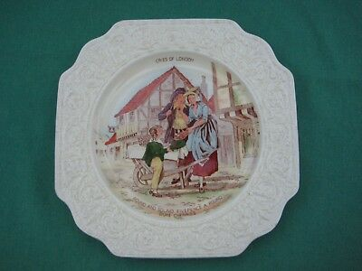 Crown Devon Fieldings Cries of London Decorative Plate