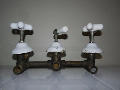 VTG 20s ANTIQUE PORCELAIN CLAW FOOT BATHTUB SHOWER FAUCET HANDLES FIXTURE TUB