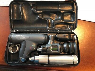 Welch-Allyn PanOptic ophthalmoscope - Almost brand new - Pristine condition!!!