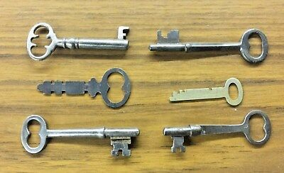 Vintage Antique Skeleton Keys  Lot of 6 Keys  (Lot #18)