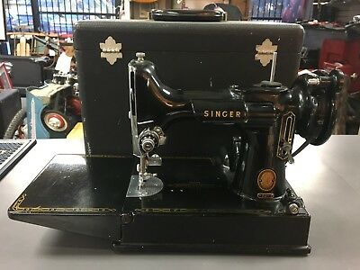 Vintage 1950-51 SINGER FEATHERWEIGHT 221 Cat 3-120 Sewing Machine W/ Case Pedal