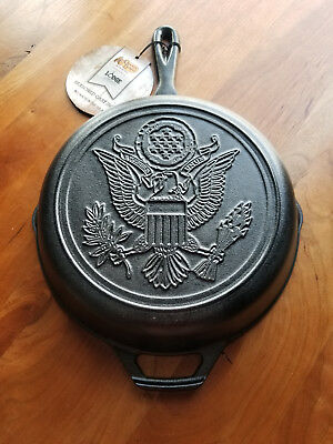 """Lodge Cast Iron Skillet United States American Seal New With Tags 10.25"""""""