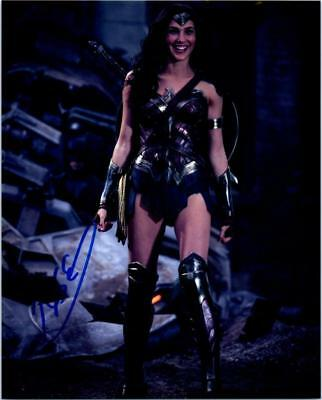 Gal Gadot signed 8x10 photo picture autographed good looking plus COA