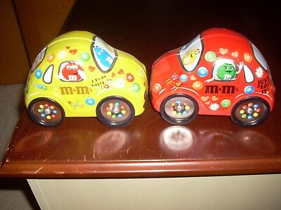 Collectible Red   AND YELLOW  M&M  Volkswagen Bug Tin turning wheels